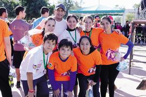 21122014 ATLETAS.  Mariana, Tadeo, Sebastián, Judas, Nohemí, Elvia, Ana Isabel y Sofía.