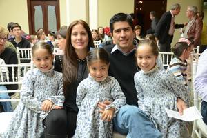 27122014 Gabriela, Marcelo, María, Roberta y Regina.