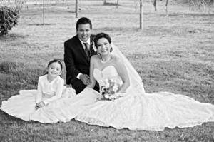 21122014 Karla Ivette Núñez Espinoza y Clemente Tomás López Castro unieron sus vidas en el Sacramento del Matrimonio el día 13 de diciembre de 2014.