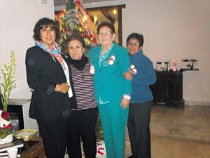 28122014 ENTRE AMIGAS.  Cuquis, Estela, Esther y Ángeles.
