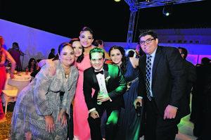 28122014 RECEPCIóN NUPCIAL.  María Luisa, Cristina, Cristy, Fernando, Arlina y Eddie.