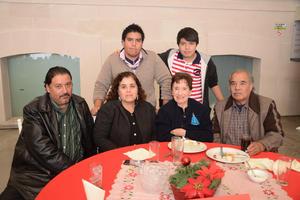 30122014 Eduardo, Georgina, Olguita, Alfredo, Jorge y Christian.