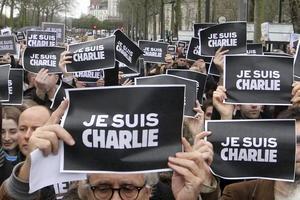 Distintas ciudades de Francia rindieron homenaje a las 17 víctimas de los atentados cometidos por yihadistas en el país galo.