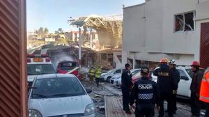 Una pipa explotó cuando abastecía gas dentro del hospital ubicado en la calle 16 de Septiembre, esquina con Veracruz, en la colonia Contadero, provocando que el 30 por ciento del inmueble colapsara.