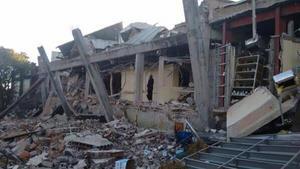 Al menos siete personas, entre ellas cuatro bebes, murieron en el Hospital Materno Infantil de Cuajimalpa, a raíz de una explosión de una pipa de gas.