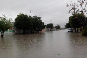Colonias quedaron inundadas por la lluvia que no paraba.