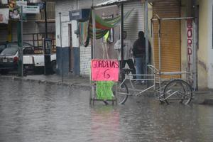 Algunos comerciantes no pudieron trabajar en Gómez Palacio.