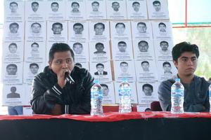 Estudiantes de la escuela rural Isidro Burgos de Ayotzinapa trajeron su reclamo de justicia a Torreón.