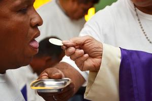 Los internos también tomaron la eucaristía.