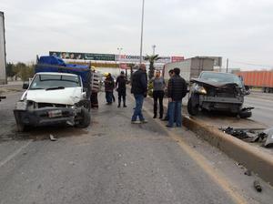 Los choques de automóviles en esta vía son un tema de todos los días debido a que no se respetan los límites de velocidad.