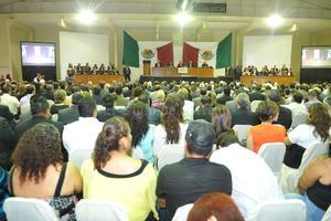 13 de mayo | Sesión. Integrantes de la LX Legislatura Estatal, realizaron una Sesión Solemne en las instalaciones del Instituto Tecnológico de La Laguna (ITL) con motivo del 50 Aniversario de la institución educativa.