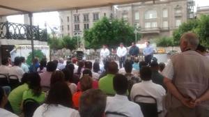 9 de julio | Reforestación. Con la plantación de dos árboles, Sabinos- Ahuehuetes, inició la reforestación de la Plaza de Armas en el marco del Día Nacional del Árbol.