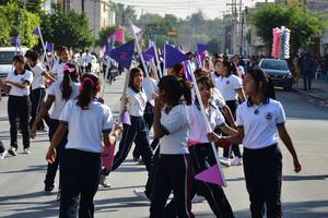20 de noviembre | Desfile. Con una participación de alrededor de 8 mil personas, se celebró el Desfile Deportivo Conmemorativo del 105 aniversario de la Revolución Mexicana.