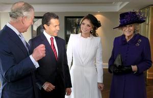 El príncipe Carlos recibió al presidente y a su mujer en su residencia de Clarence House.