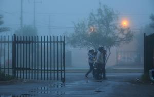 La alta concentración de humedad en el ambiente ocasionó el fenómeno de la neblina en Torreón.