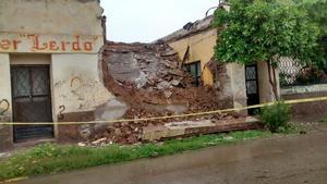 Viviendas derrumbadas se reportaron en Ciudad Lerdo.