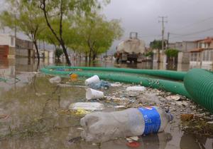 Las persistentes y atípicas lluvias han dejado colonias inundadas en el área urbana y rural de La Laguna.