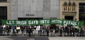 El desfile destacó este año por ser el primero en incluir un contingente gay de trabajadores del canal de televisión NBC.