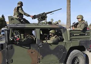 Tras intentar tomar el Parlamento, que se encuentra cerca, los pistoleros se enfrentaron con elementos de seguridad.