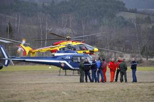 Mientras el primer ministro francés advertía que se descartaban sobrevivientes, la Gendarmería alertaba a su vez que el rescate de cuerpos tardaría debido a las condiciones del terreno.
