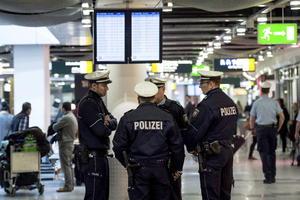 Cuerpos de seguridad se encargaron de resguardar los aeropuertos.