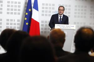 El presidente anunció que el ministro francés del Interior, Bernard Cazeneuve, ya viajaba a la zona y que el gobierno galo abrió una célula de crisis.