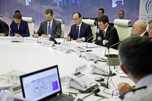 El presidente Hollande se reunió con su gabinete de Crisis tan pronto fue informado de la tragedia.