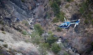 Se difundieron las primeras imágenes de la zona del accidente aéreo en los Alpes franceses.
