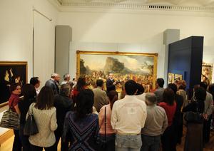 Se ubica en la Sala de Exposiciones Temporales del Museo Arocena.