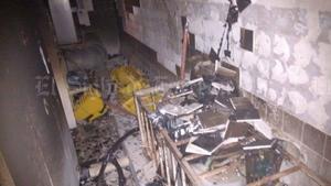 Por los materiales que se utilizan en el cuarto de lavado, las llamas se propagaron en cuestión de segundos.