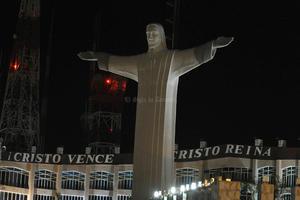 """El Ayuntamiento de Torreón se unió a la celebración de """"La Hora del Planeta"""" apagando por espacio de una hora las luces de la presidencia municipal, la Plaza Mayor y el Cristo de las Noas."""