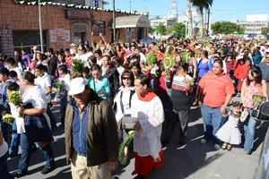 El contingente avanzó por la avenida Matamoros.