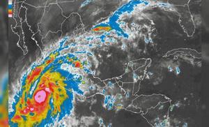 20 de octubre | Huracán. Patricia, calificado como el huracán de mayor intensidad en la historia de México y el Hemisferio Occidental amenaza al país pero se debilita al tocar tierra; se aleja para el día 24.