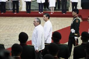 6 de noviembre | Visita. Raúl Castro, presidente de Cuba, realiza una visita de Estado oficial a México.