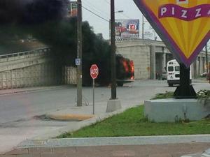 La Secretaría de Gobernación Federal confirmó el abatimiento de tres civiles armados, y de dos elementos de Fuerza Tamaulipas heridos como consecuencia de los ataques.
