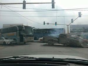 Se reportó el abatimiento de tres civiles armados, además de que dos elementos de Fuerza Tamaulipas resultaron heridos como consecuencia de los ataques.