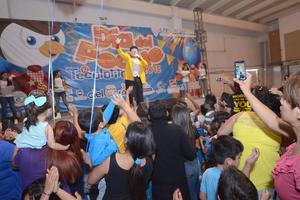 """""""Tommy"""" ofreció un espectáculo infantil y además, entregó premios a los niños ganadores de los diferentes concursos que se desarrollaron en el sitio."""