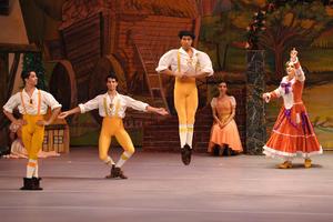 Sin duda alguna, una gran tarde para los laguneros que disfrutaron de este ballet clásico.