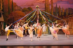 """La Compañía Nacional de Danza presentó """"La niña malcriada"""" (""""La fille mal gardeé""""), en el marco del Segundo Encuentro Nacional de Danza."""