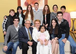 Erick Sotomayor Ruiz  5o ANIVERSARIO DE BODAS DON JULIO PEREZ Y CHRISTA LUETHJE. HIJOS: CHRISTA,JULIO,ALBERTO Y ANA. ACOMAPAÑN YERNOS,NIETOS Y BISNIETOS.