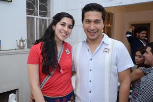 VAGON COLON  En la foto: Fernanda y Diego