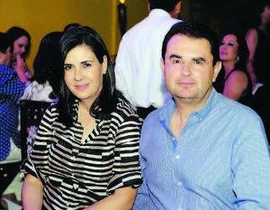 EN RECIENTE FESTEJO.  Malena y Luis.