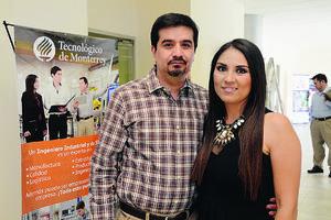 EN EL TEC DE MONTERREY.  Juan David y Ana.