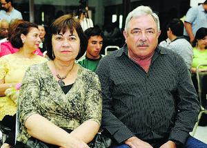EN PAREJA.  Ana Laura y Vicente.