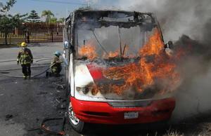 Desde minutos antes de las 10:00 de la mañana comenzaron a circular reportes de vehículos incendiados en varios puntos de la Zona Metropolitana de Guadalajara.