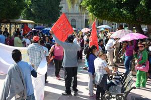 Trabajadores laguneros dieron muestras de apoyo a los jornaleros de San Quintín, Baja California.
