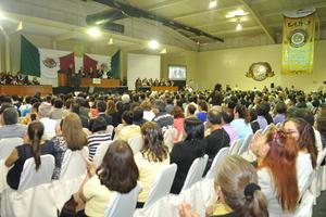 Asistieron magistrados, los alcaldes de la Comarca Lagunera, regidores del Cabildo de Torreón, empresarios, funcionarios federales, estatales, municipales, así como representantes de diversas instituciones educativas.