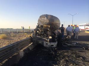 Una fuerte movilización de autoridad y cuerpos de rescate causó el aparatoso accidente.