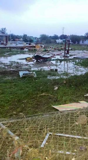 Fueron 40 minutos de lluvia y viento, antes del tornado, según los reportes en redes.