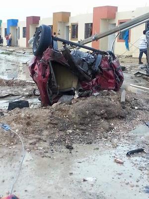 Vehículos quedaron severamente dañados.